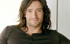 Мужчины актеры с длинными волосами